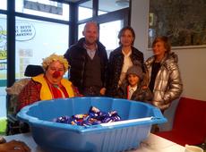 Sinte-Mette op het N-VA-secretariaat in Mechelen
