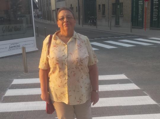 Rita Van den Bossche op het nieuwe zebrapad Nekkerspoel